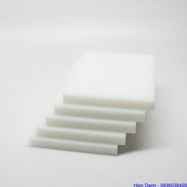 Tam nhua PE vuong 100x100x15mm